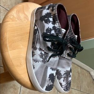 Tom's Mid Canvas Shoes